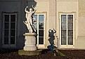 Picture Title - Pavone e monumento.