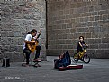 Picture Title - The child and the guitarist - El niño y el guitarrista